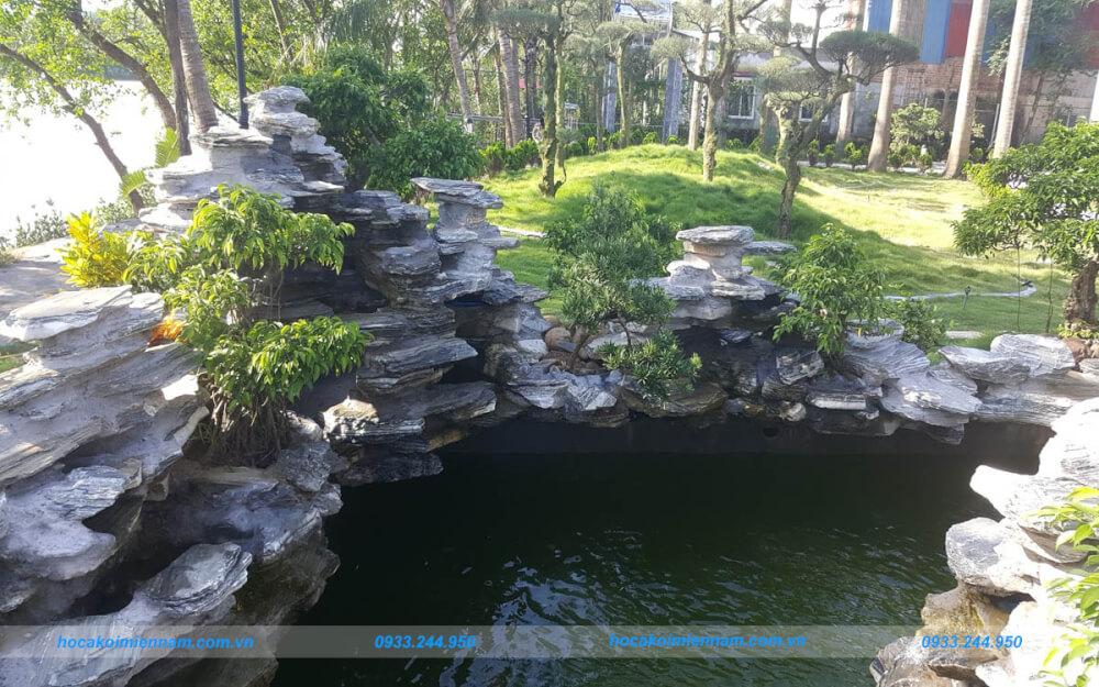 Thi công hồ cá koi tại Tây Ninh. Ảnh: internet