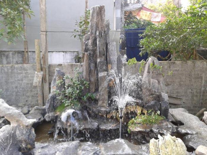 Hòn non bộ thác nước đẹp 12
